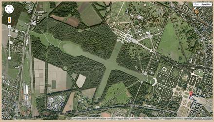 Vue aérienne du parc du château de Versailles sur la fiche Monumentum
